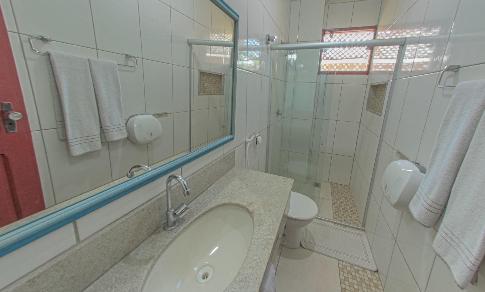 Apartamento Standard banheiro 02